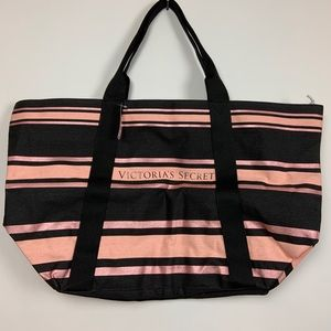 NWT Victoria's Secret Weekender Bag Zipper Tote VS